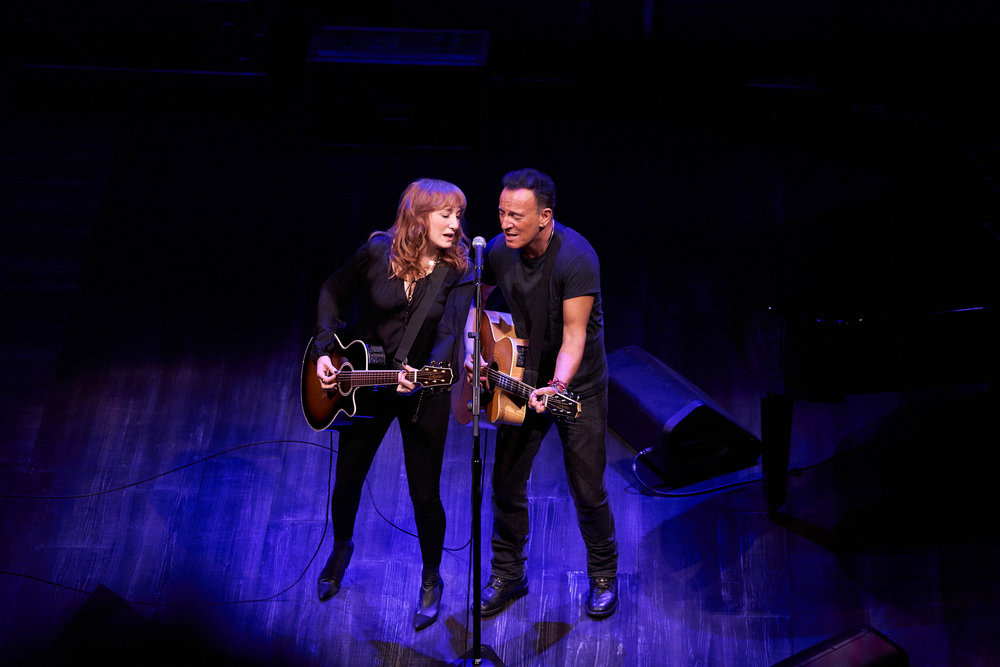 Patti Scialfa et Bruce Springsteen à Broadway. Photo Danny CLINCH
