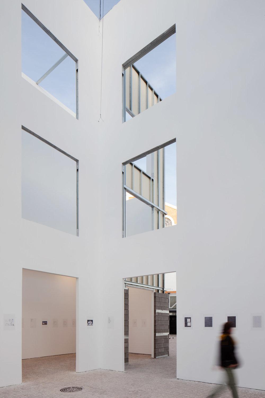 form-is-form-exhibition-architecture-lisbon-triennale-_dezeen_2364_col_17.jpg