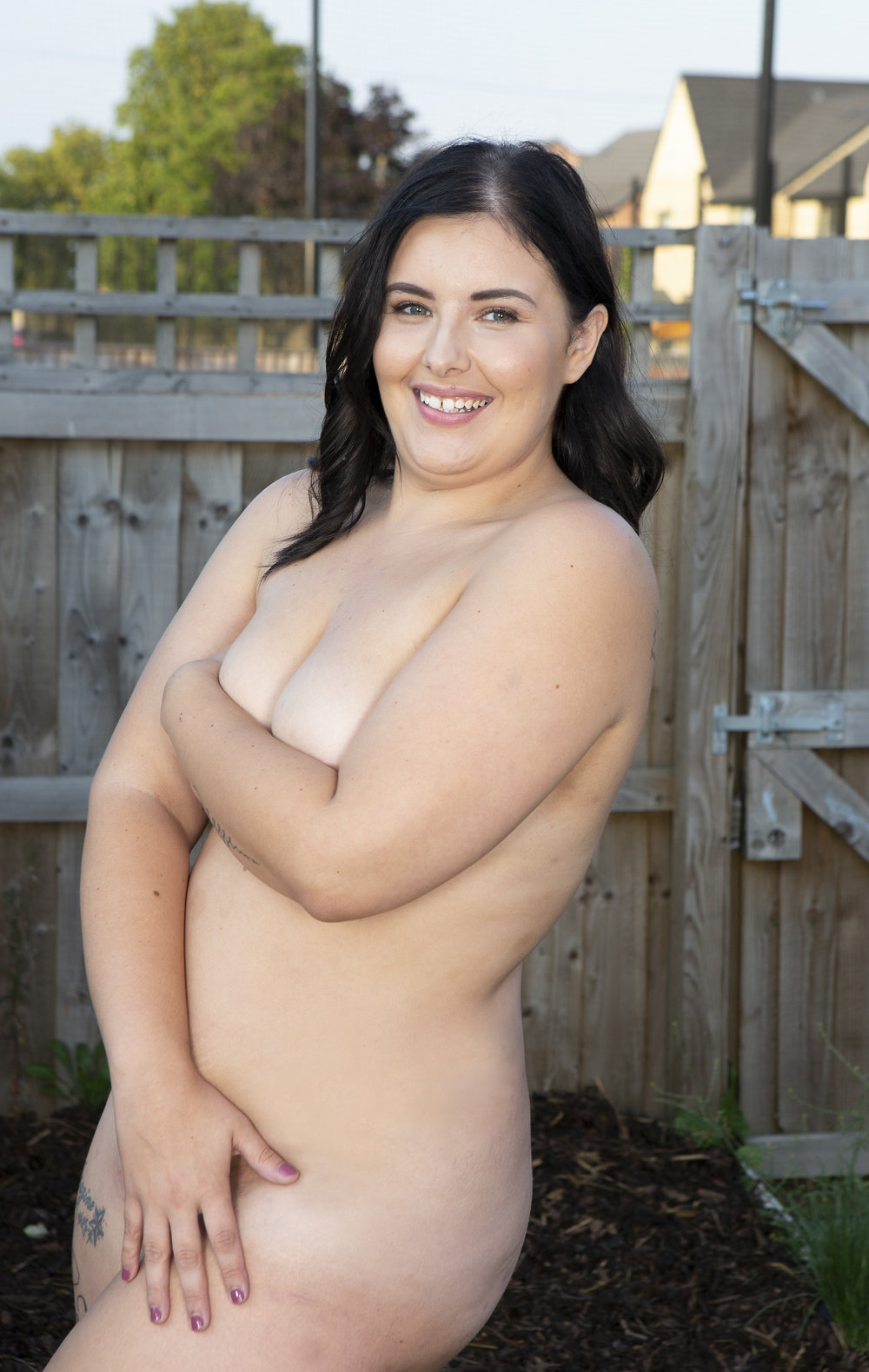 https://www.dailymail.co.uk/femail/article-5952343/Naked-sunbathing-women-views-enjoying-weather-au-naturel.html