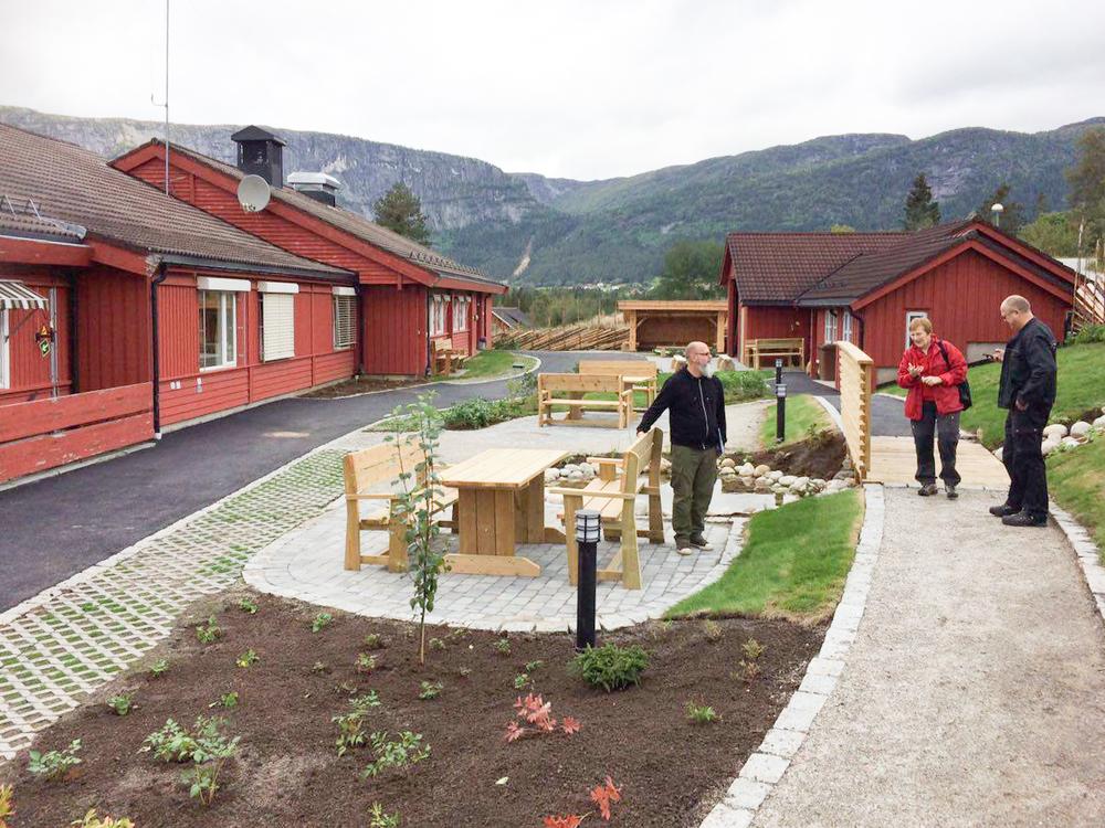 Vågen & Hansen Utemiljø AS vhu.no Valle Bygdeheim Sansehage 01.jpg