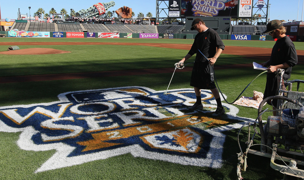 World_Series_2010_Logo_onField.jpg
