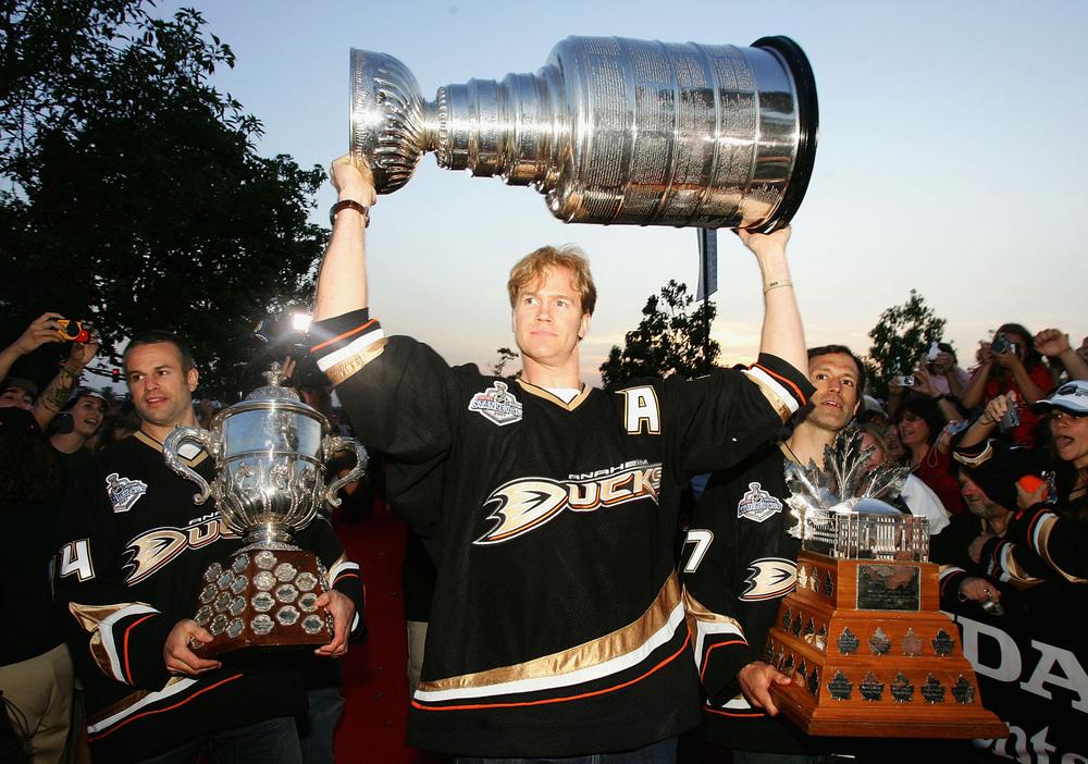 Anaheim_Duck_Champions_2007.jpg