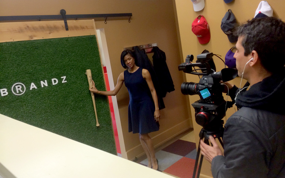 Robin Wilson with Open House TV demo's our 'Astro Turf' reclaimed barn door.