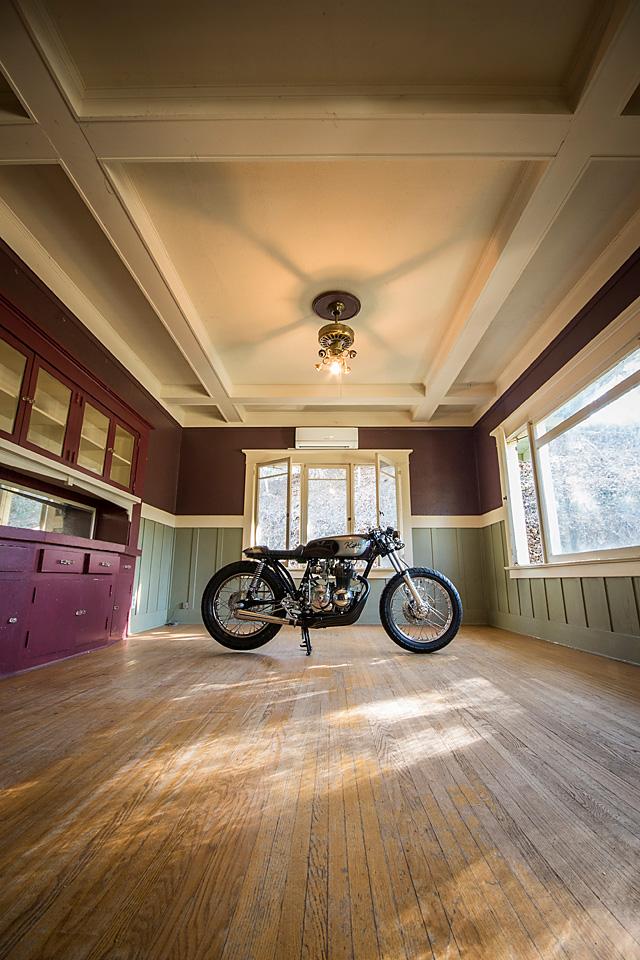 21_11_2016_kott_motorcycles_honda_cb400f_cafe_racer_los_angeles_09.jpg