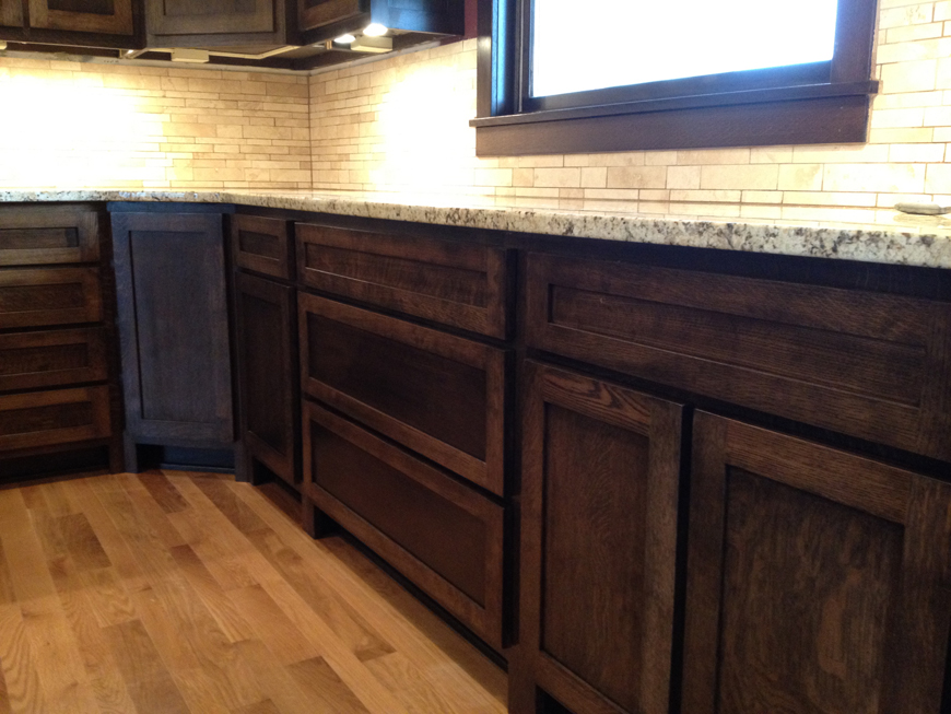 Quartersawn oak cabinets with granite countertops and for Builder oak countertop