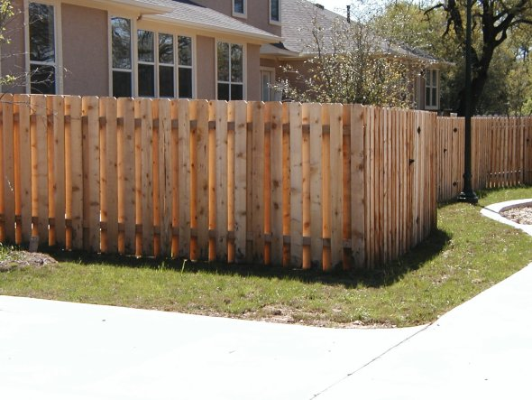 01b_shadowbox_fence2.jpg
