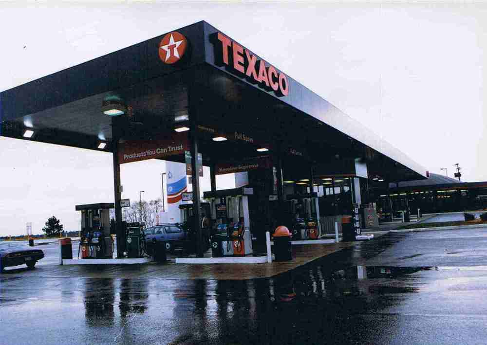 Texaco-Gas Bar.jpg