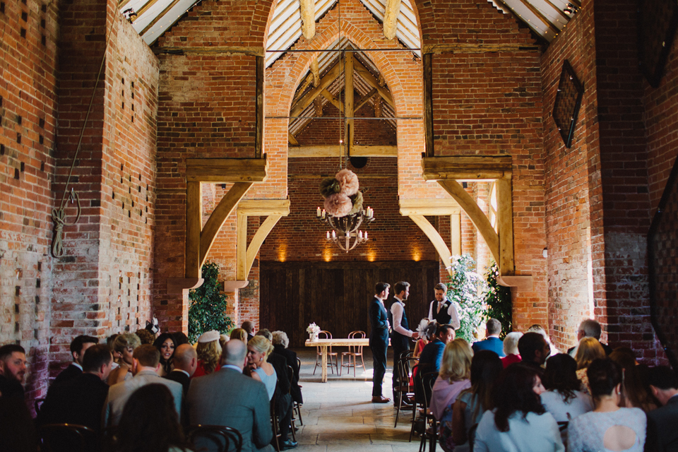 018-wedding-photographer-shustoke-barn.jpg