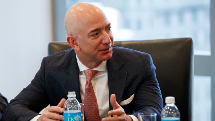 Ο ιδιοκτήτης της «Amazon», Τζεφ Μπέζος (Φωτό ΑΡ)