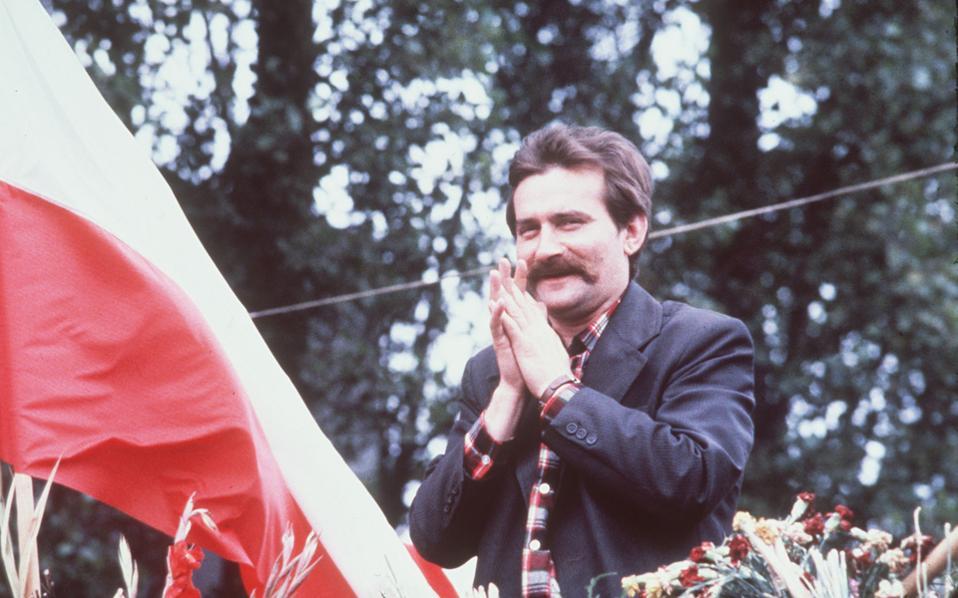 Ο Λεχ Βαλέσα, την εποχή της πολιτικής του ακμής, ως ηγέτης του συνδικάτου Αλληλεγγύη στα ναυπηγεία του Γκντανσκ, το 1980.
