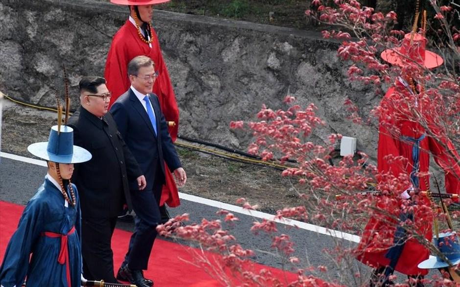 EPA / KOREA SUMMIT PRESS / POOL