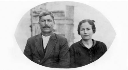 Ο Νικόλαος Ι. Καστανιάς με τη γυναίκα του Ελένη, σε φωτογραφία του 1931 ή 1932