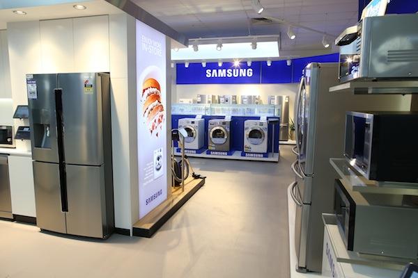 Samsung-Retail-Installation4.jpg