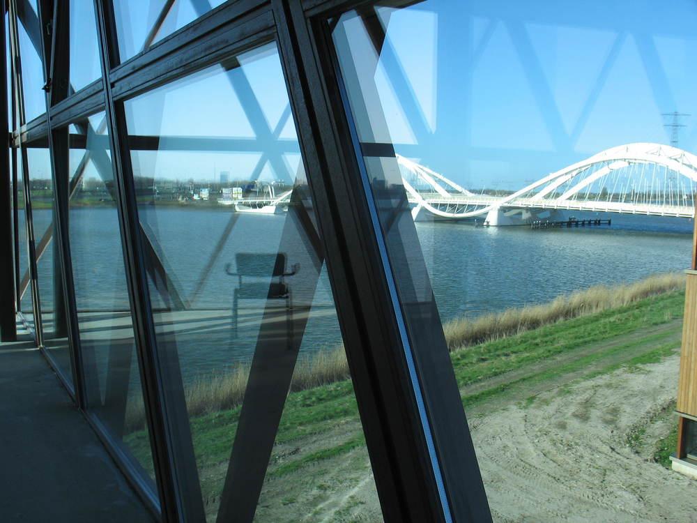 De Heerema brug. Beter bekend als de BH-brug.