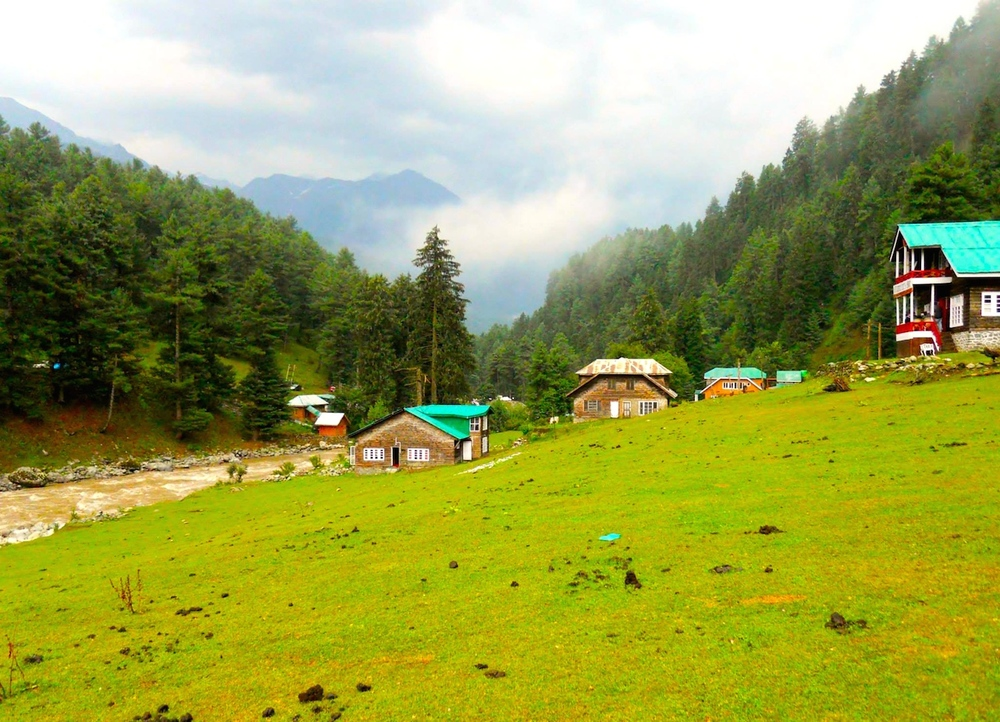 A gorgeous picture of Aru Valley taken by Priya