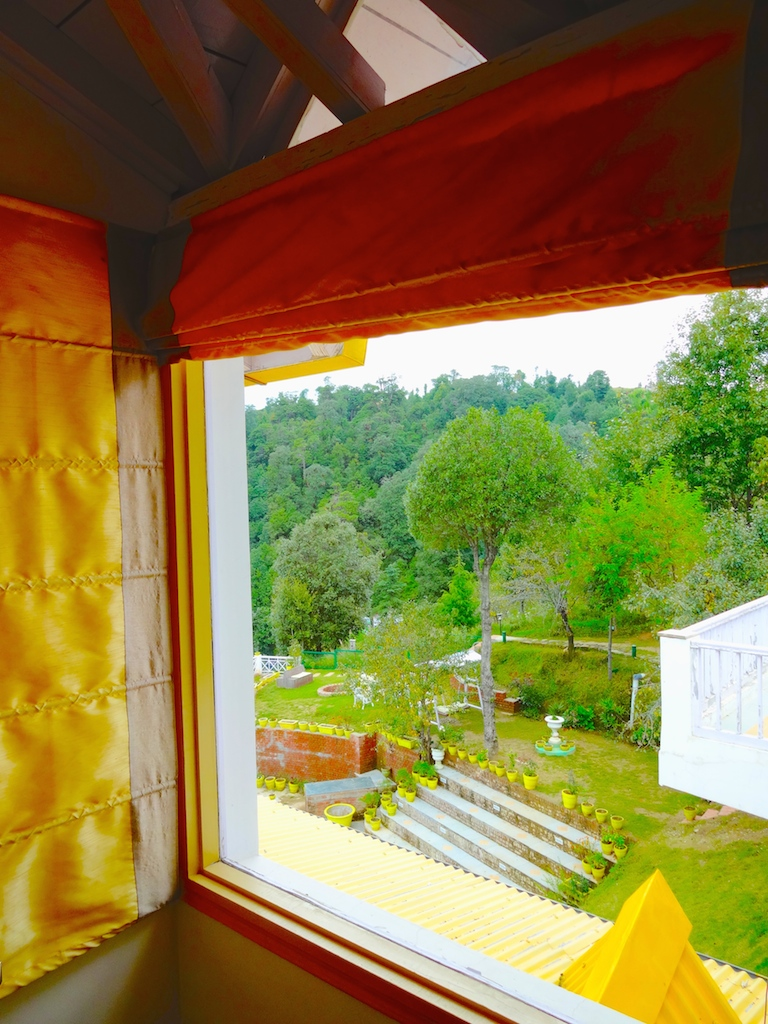 luxury boutique hotel in dhanachuli kumaon