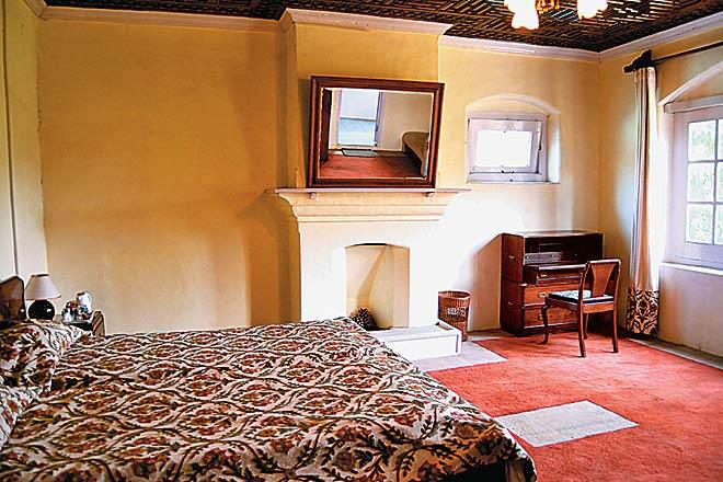 luxury homestay srinagar kashmir.jpg