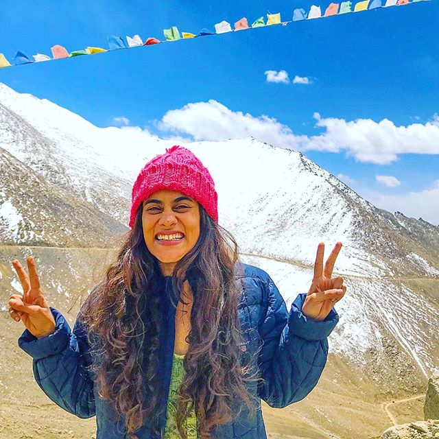 18,000 ft. above sea level, crisp sunshine, clean air and some of the highest motorable roads in the world! If you love all this as much as I do, pack your bags for Ladakh and get ready for a journey of a lifetime! I promise I'll show you places that will leave your eyes mesmerised, mind relaxed and soul rejuvenated 🌸 . . To plan your magical journey through Ladakh, get in touch with me 😊 www.wanderbug.in . . #travel #instatravel #travelgram #india #indiatravel #indiatravelgram #mountains #ladakh #momentsofmine #picoftheday #photooftheday #wanderbug #wanderlust #neverstopexploring #lifeofadventure #liveauthentic #traveldeeper #travelstoke #traveler #traveling #loveindia #lovetheworld #naturelovers #darlingescapes #dametraveler #beautifuldestinations #sheisnotlost