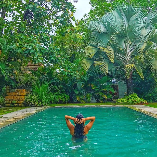 Another day in paradise! Kerala, you're so damn beautiful 🌳 . . The rains are in full splendour here in the south and this is the best time to visit if you want to experience the lush tropics. Get in touch with me to plan your Kerala adventure 😊 . . #travel #instatravel #travelgram #india #indiatravel #indiatravelgram #kerala #momentsofmine #picoftheday #photooftheday #wanderbug #wanderlust #neverstopexploring #lifeofadventure #liveauthentic #traveldeeper #travelstoke #traveler #traveling #loveindia #lovetheworld #naturelovers #darlingescapes #dametraveler #beautifuldestinations #sheisnotlost #keralatourism #marari #roamtheplanet