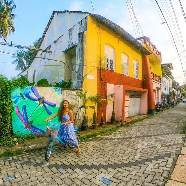 Can you believe that this is India? As I ride down the streets of this beautiful little town everyday, I smile to myself thinking what a perfect piece of paradise I call home! It gives my soul happiness when I look around and think that I've found my own 'mini Europe' right here in India! 🌸 . . If you need a quick break, come to Kerala and explore this charming, little town of Fort Kochi. I promise your experience will be magical 😊 . . #travel #indiatravel #instatravel #travelgram #wanderlust #wanderbug #neverstopexploring #lifeofadventure #liveauthentic #traveling #keralatourism #beautifuldestinations #shetravels #dametraveler #girlswhotravel #darlingescapes #kochi #kerala #loveindia #roamtheplanet #visitindia