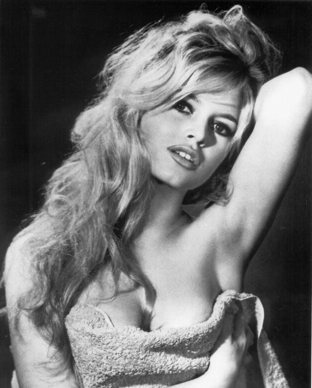 Brigitte-Bardot-voluptuous.jpg