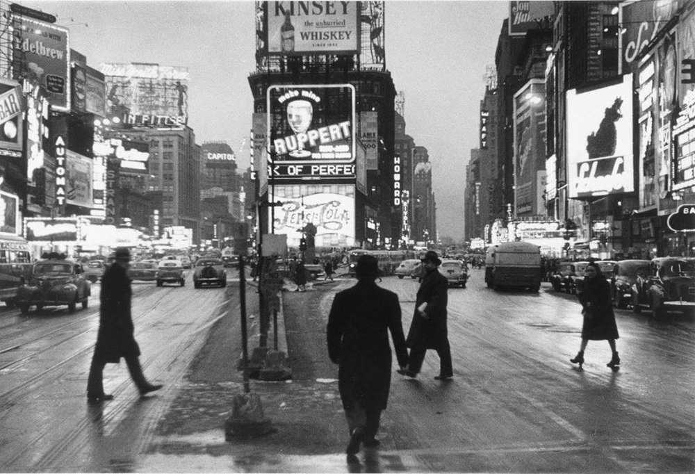 Times Square, Dusk.1948. Photo: Rudy Burckhardt