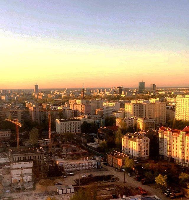 Hello Warsaw 💛✈️
