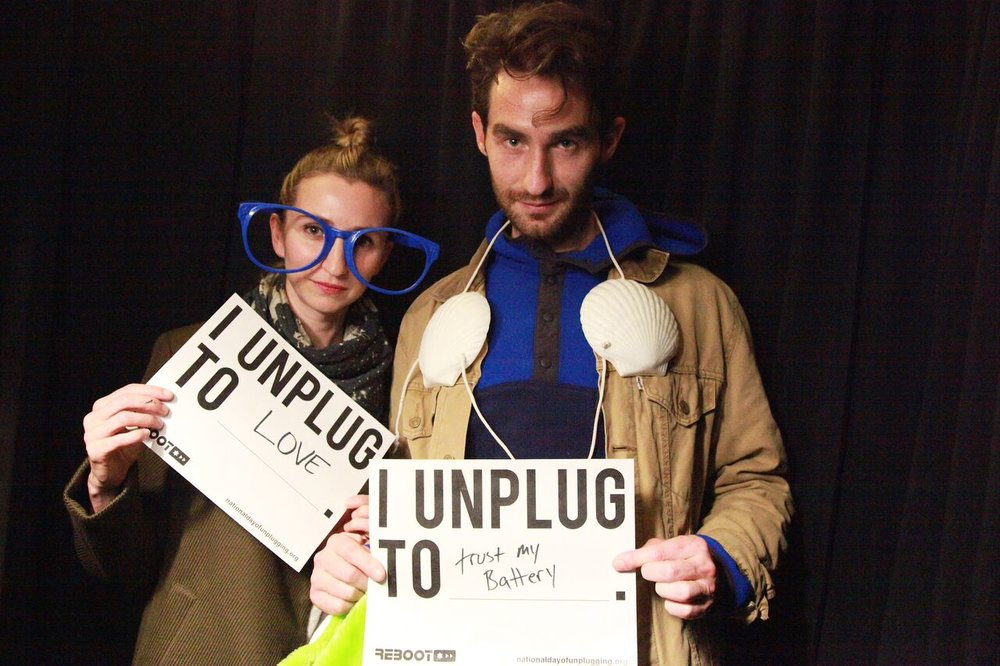 Two guests write what they unplug to do.