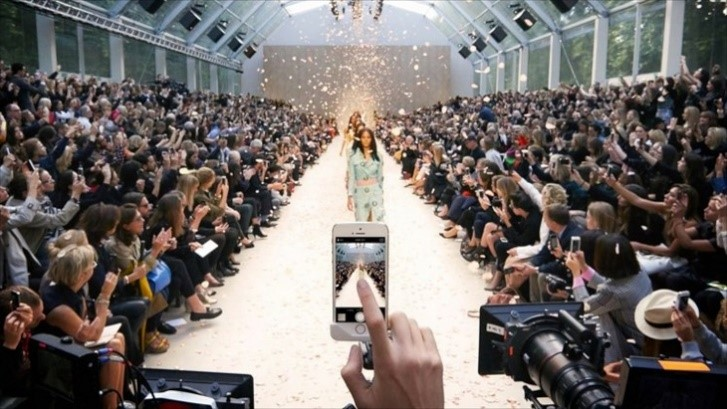 Burberry runway during the London in Los Angeles Fashion Show 2015.  The entire show streamed live via Periscop e. Picture from mosnarcommunications.com