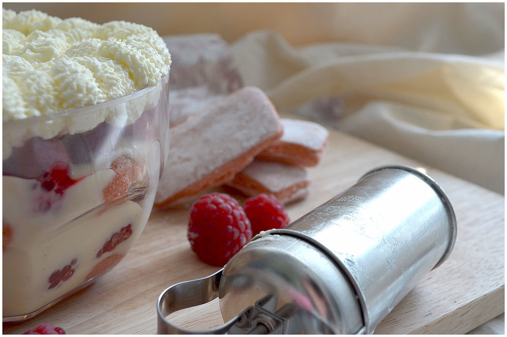 Raspberry trifle.jpg