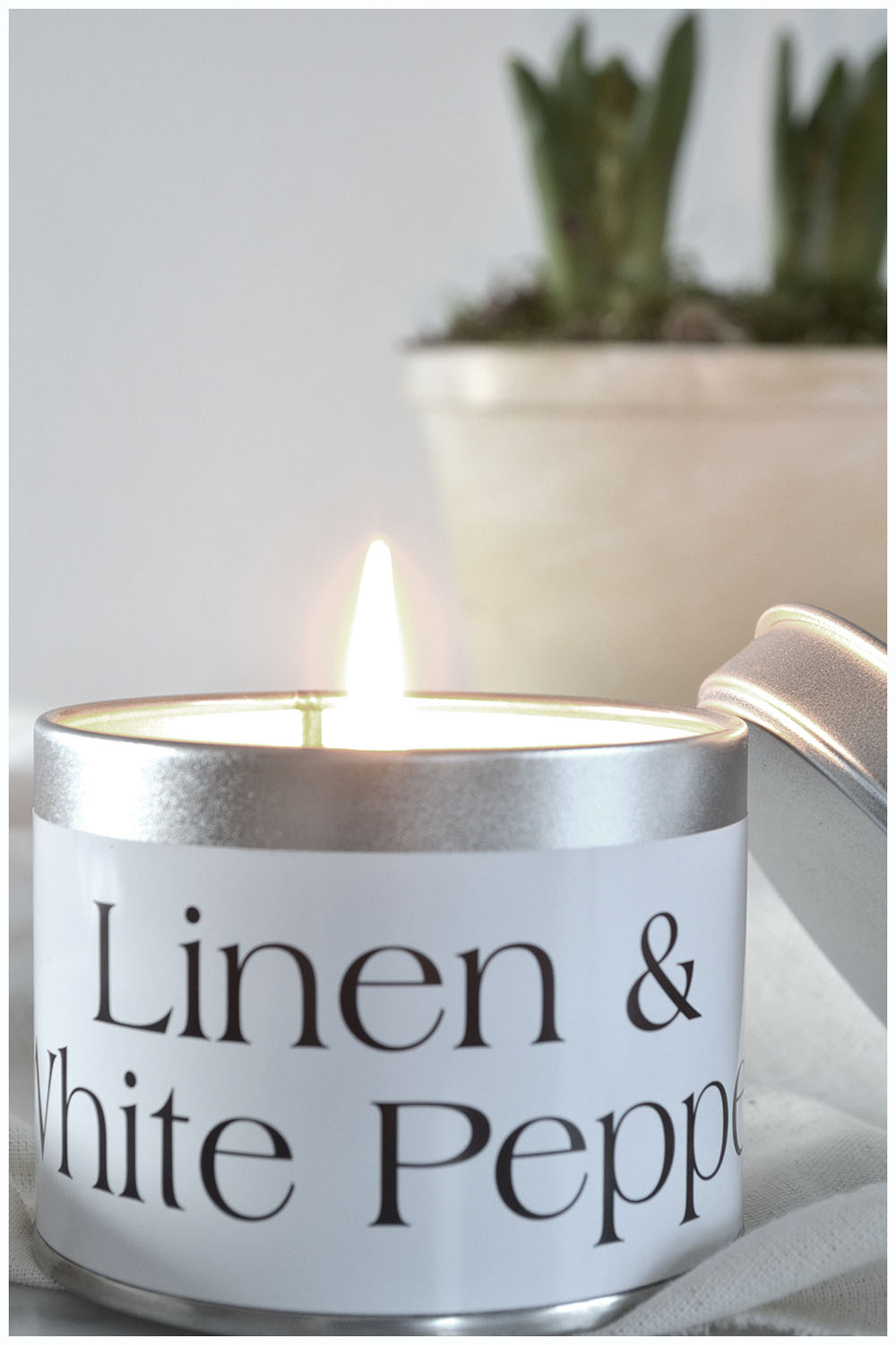 Linen & White Pepper Candle