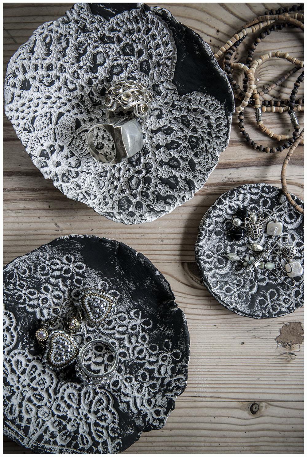 Lace imprint bowls