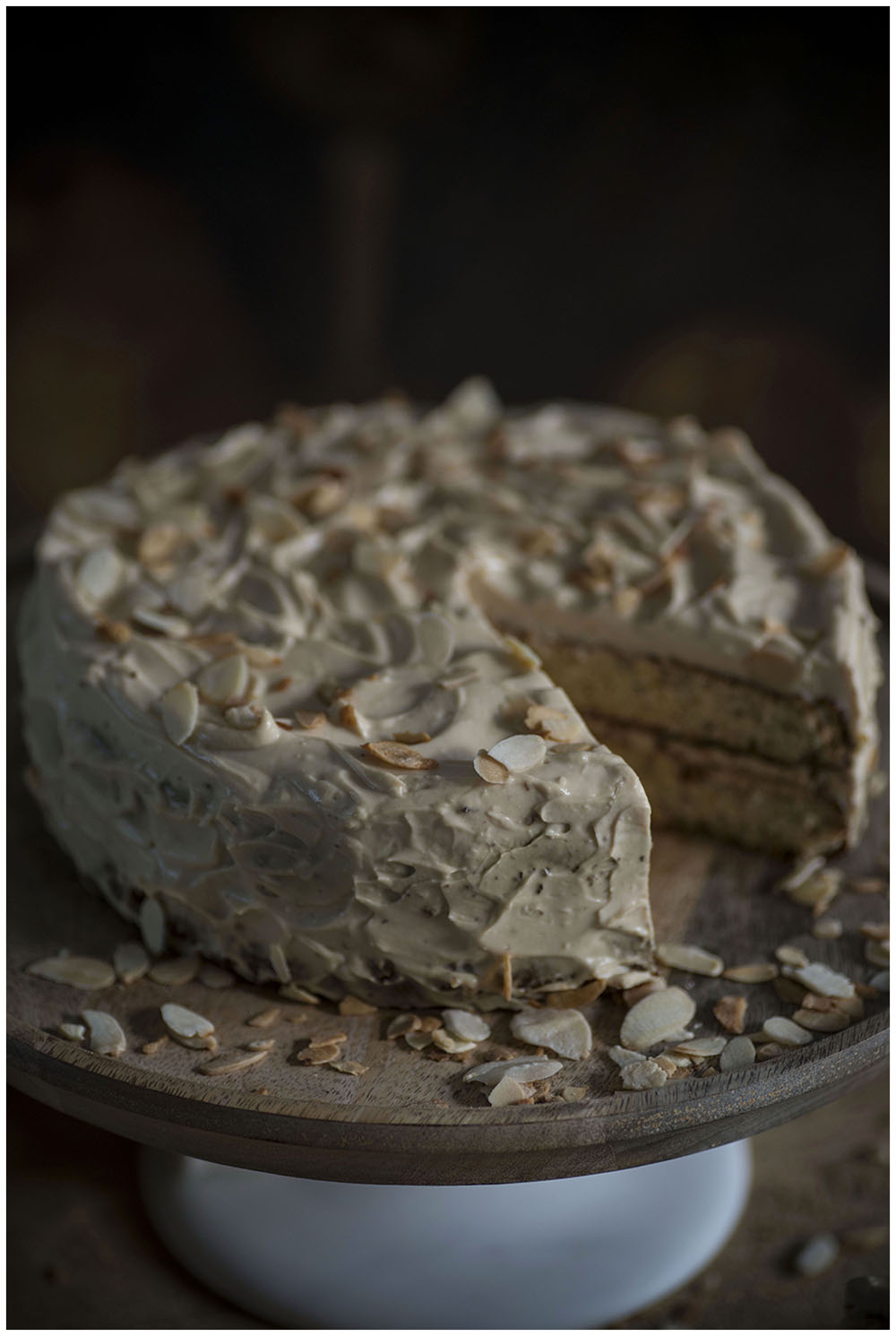 Almond-Pear cake with Coffee & Cardamom Frosting