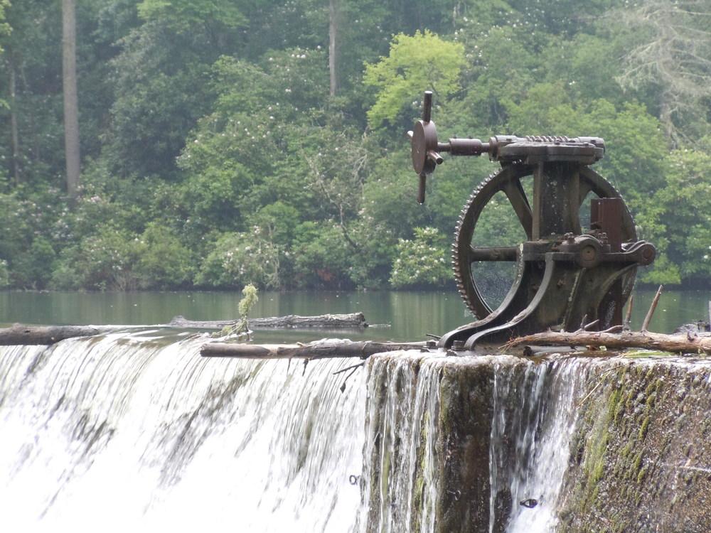 Old Dam Controls