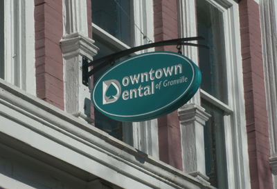 DowntownDental_signFinalInstall3.jpg