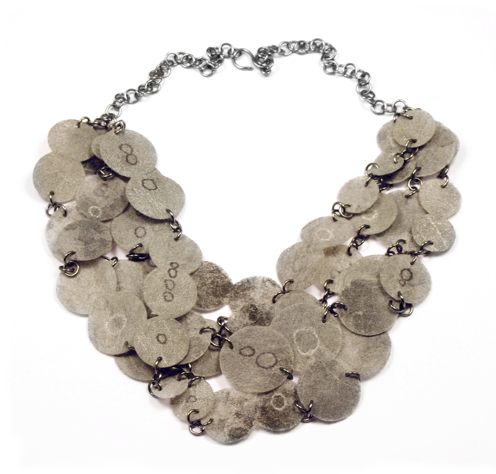 Flat Paper Necklace - grey
