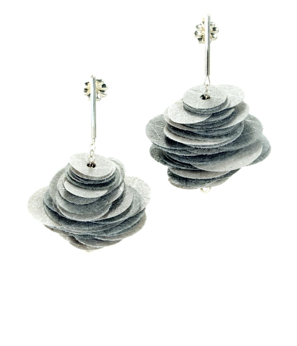 Poly Earrings, grey