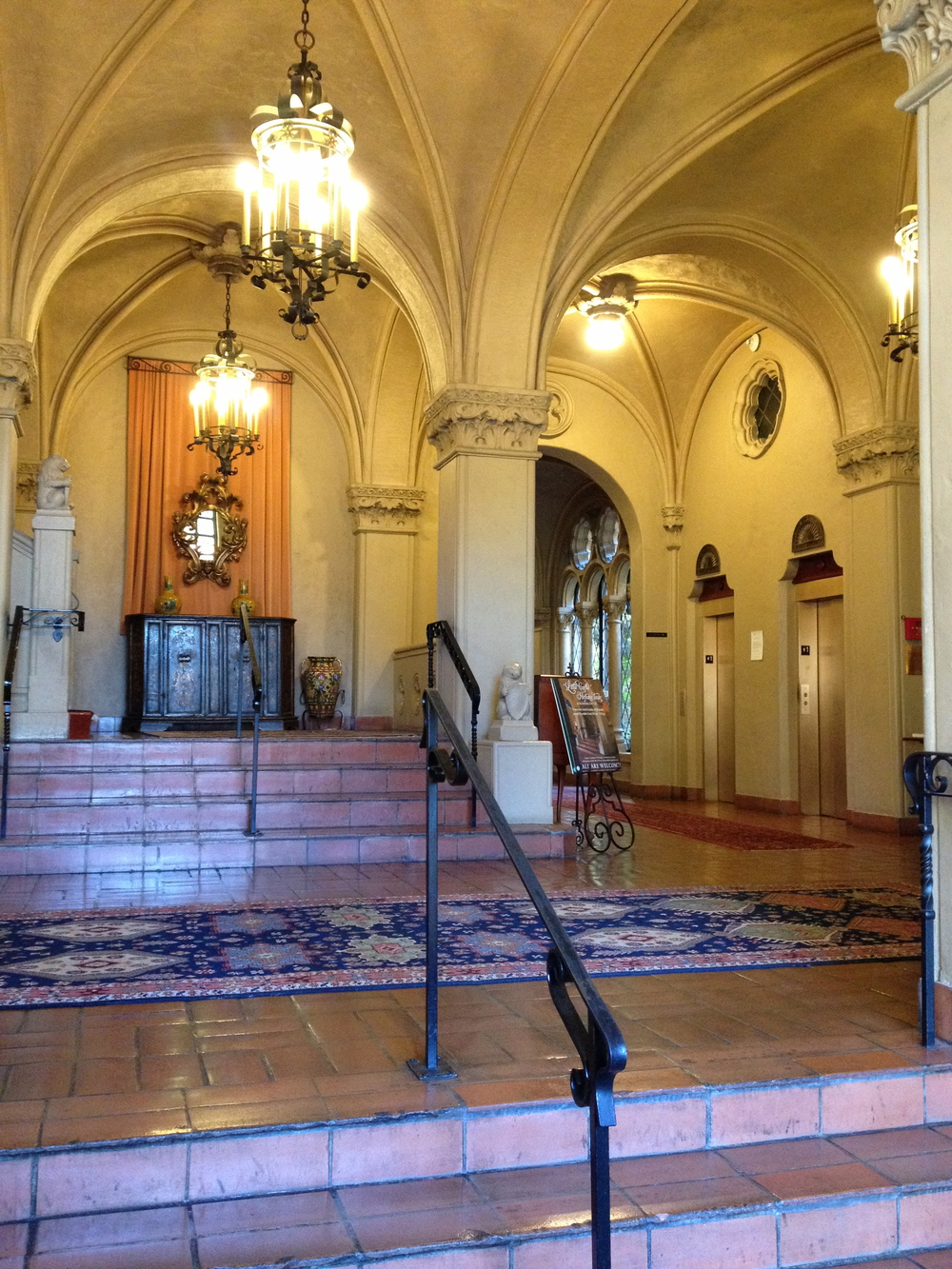 The pristine Berkeley City Club entrance.