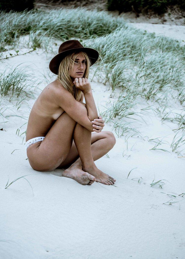 Megan+Costello-7283-3.jpg