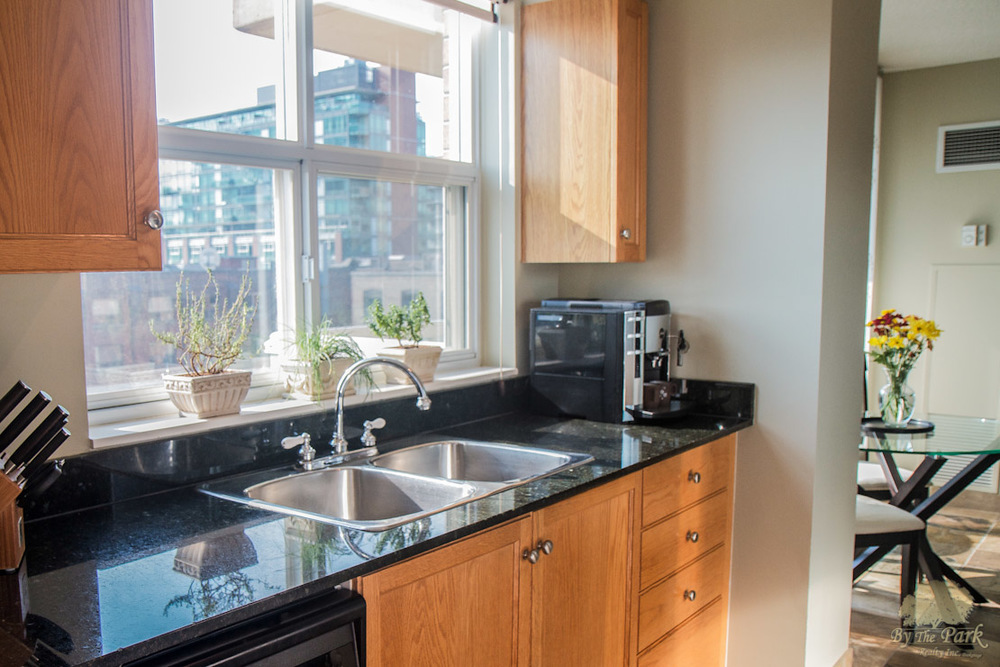 323-Richmond-St-East-Kitchen.jpg