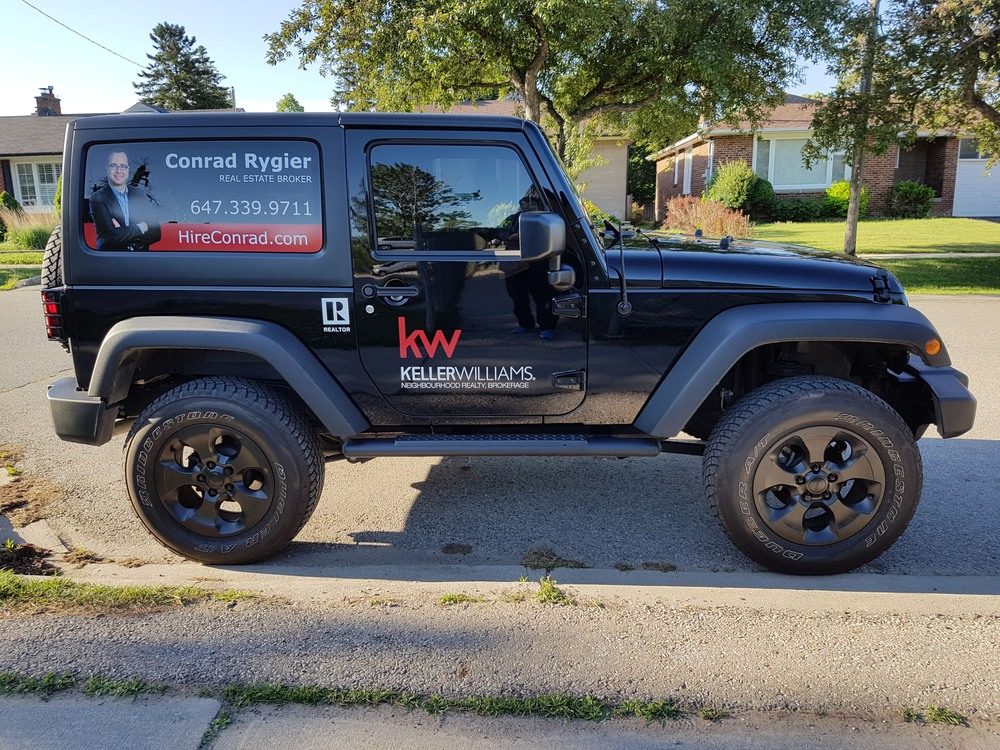 Jeep Real Estate Agent 04 Conrad Rygier.jpg