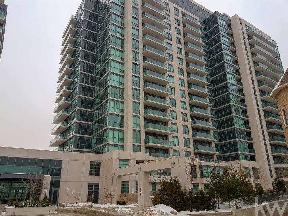 35 Brian Peck Cresent Toronto-2.jpg
