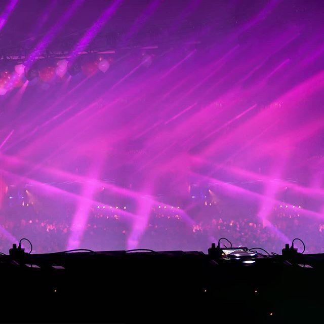 // Benni Benassi @tibrady ▪ Two weeks away from the #sinistercircus 🎪👻 t/b with @bennybenassi from last year! . . . #edmpartypeople #edmdj #djproducer #edmfamily #ravelife #edmlifestyle #edmlove #djset #music #edmlife #freaknightfestival #raveparty #edmraves #instadj #djlifestyle #festivalphotography #heydj #raves #dj #ravefamily #musicislife #musiclife #festival #edmmusic #raver #festivalready #edm #rave