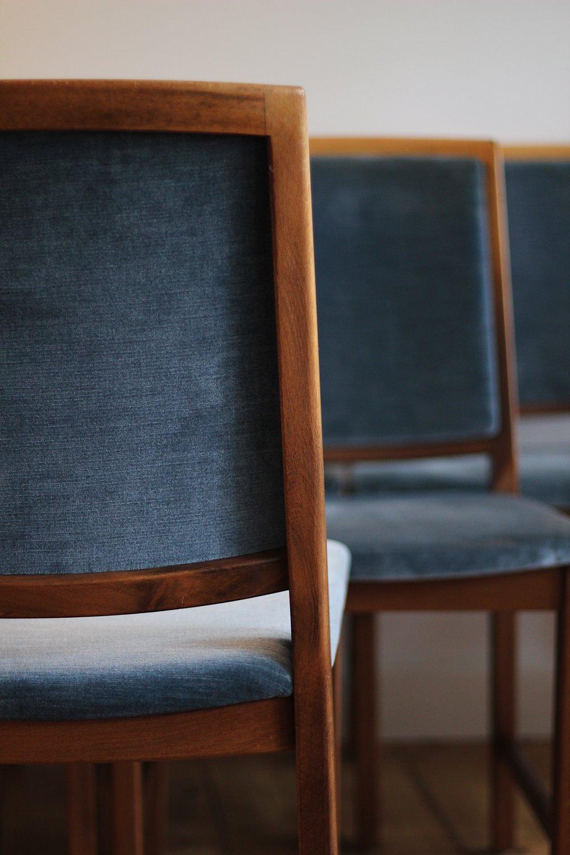 turqoise_velvet_chairs_12.JPG