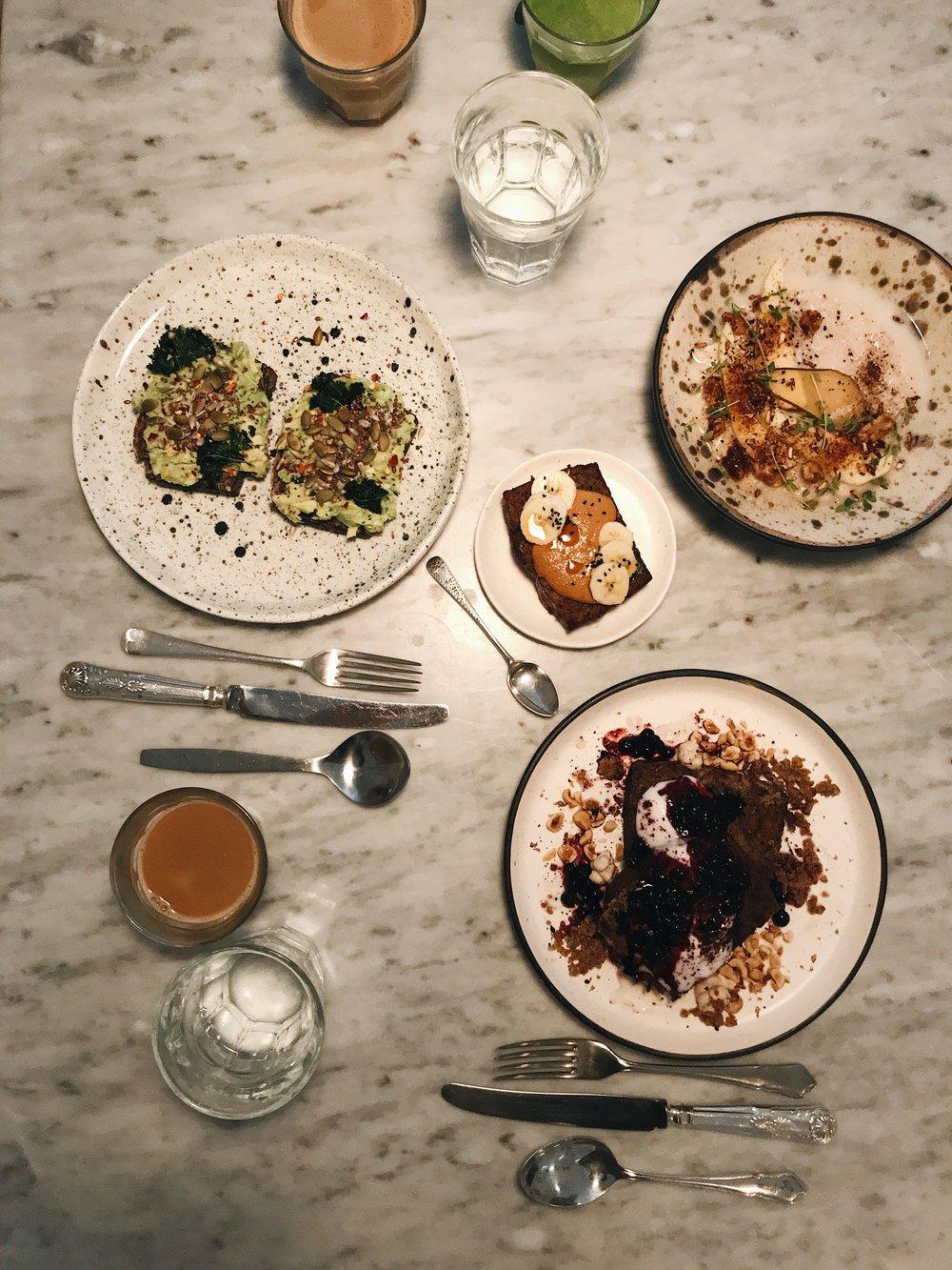 1. EAT |ACACIA