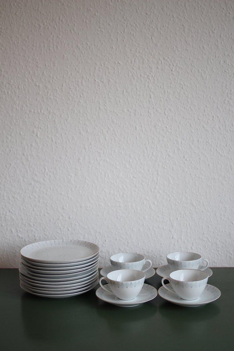 cupsandplates.jpg