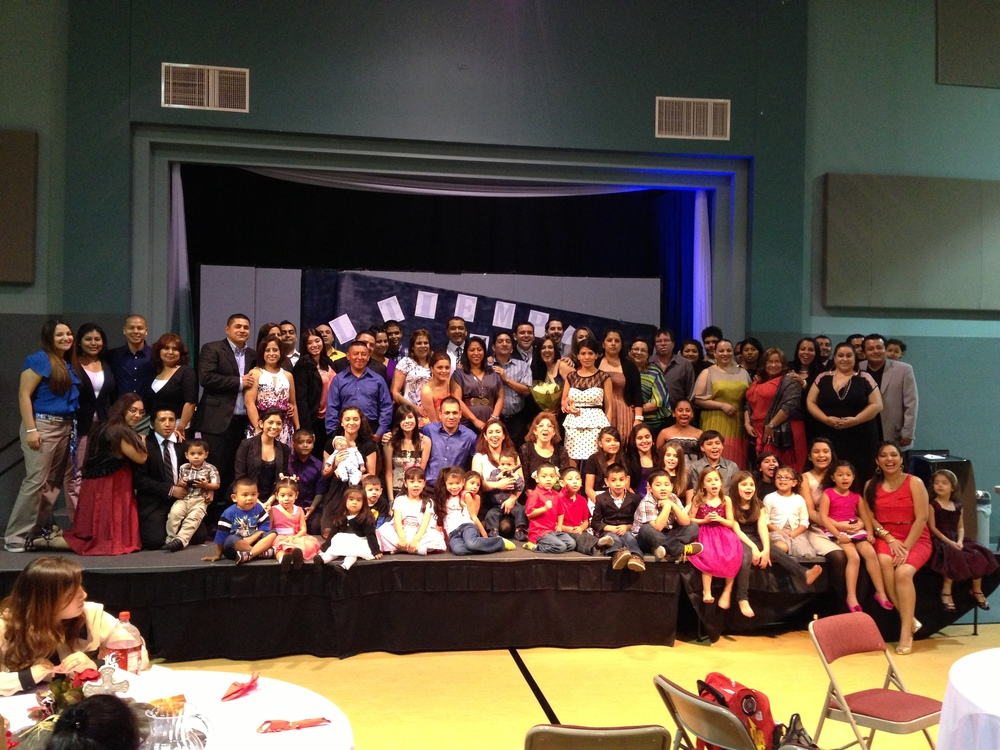 New congregations like Manantiales De Vida build community.