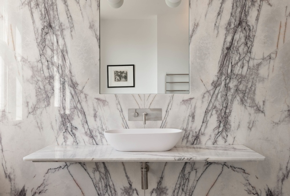 10-Master-bathroom.jpg
