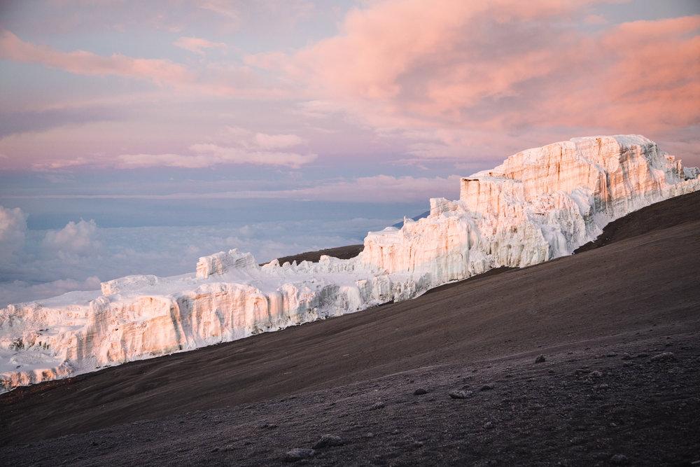 ZONE 5:ARCTIC SUMMIT - Elevation: 5,000 - 5,895 mAvg Temp Range: -5 - -20 °C