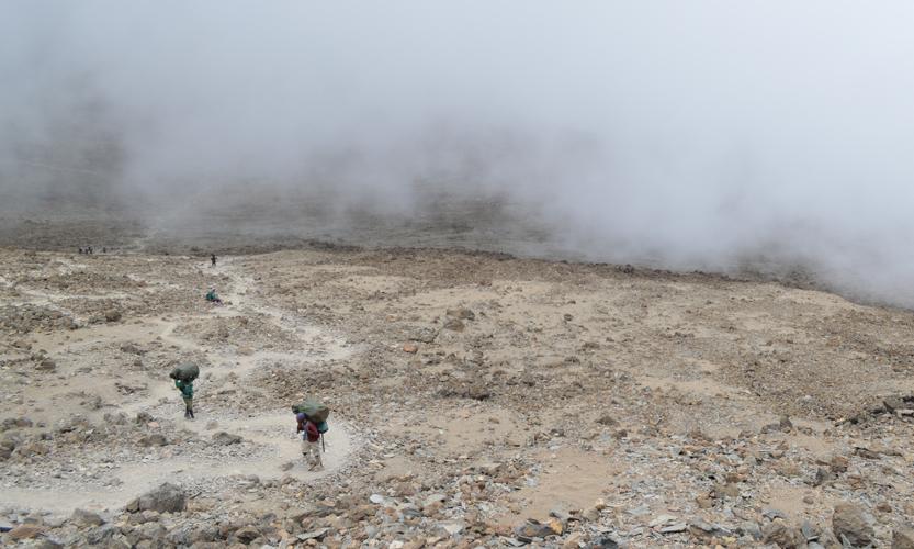 ZONE 4:ALPINE DESERT - Elevation: 4,000 - 5,000 mAvg Temp Range: 20 - -5 °C